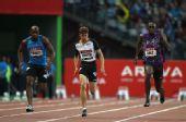 图文:巴黎站男子100米 博尔特起跑落后