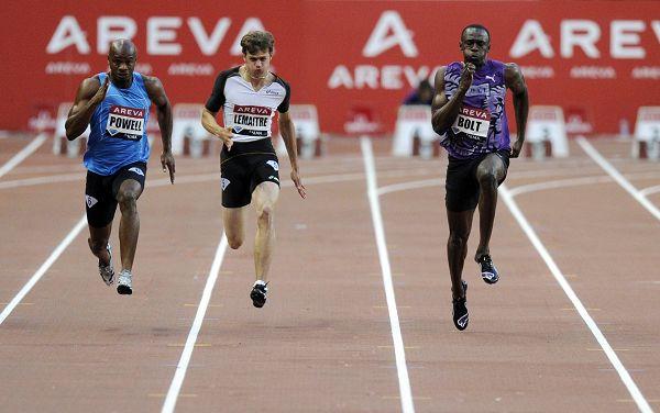 图文:巴黎站男子100米 博尔特超越对手