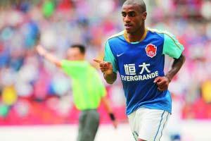 穆里奇创造了中国足球职业联赛外援单场进球纪录。