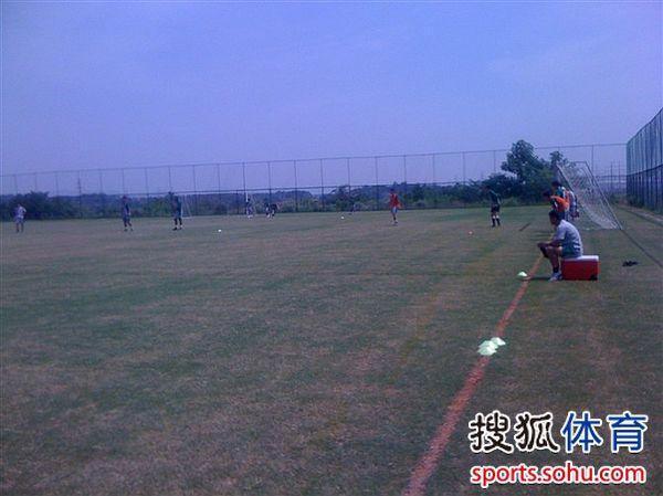 图文:[中超]南昌衡源备战舜天 训练-