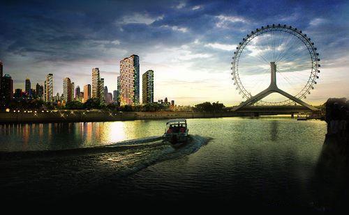 图文:2010环中国自行车赛 终点天津市傍晚风光