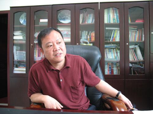 罗江县县委书记卢也。