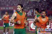 图文:[中超]河南1-0杭州 大马丁和小格热身