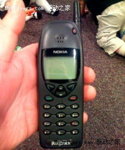 2.诺基亚6110,第一款内置《贪吃蛇》的诺基亚手机。