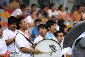 图文:[中超]天津VS河南 092球迷战鼓助阵