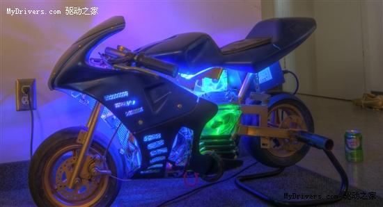 Core i7驱动的摩托车?耗时仅12天的机箱大改造