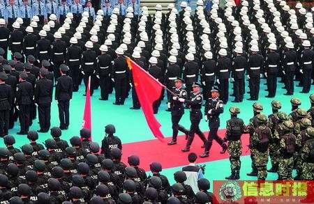 重点推荐03-誓师大会上举行隆重的升旗仪式。.jpg