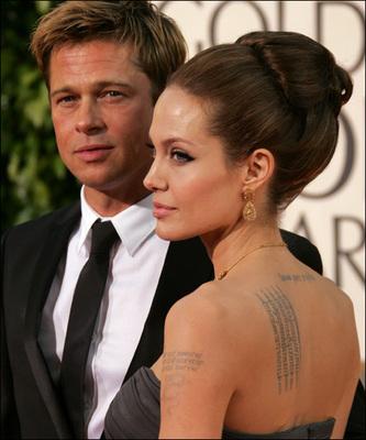 皮特腹部新纹身曝光 纹柬埔寨语朱莉生日示爱图片