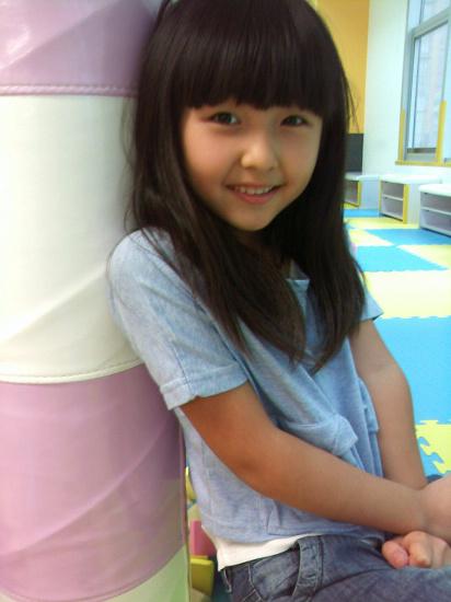张子枫本色出演《大地震》