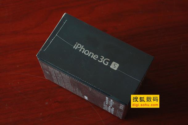 机身右侧标注有大大的iPhone 3GS字样