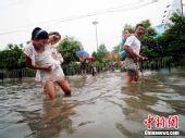 组图:山西运城突降暴雨市区瞬间汪洋一片