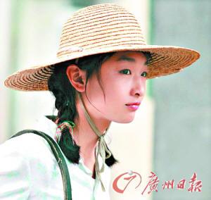 张艺谋称,找到新片《山楂树之恋》的女主角周冬雨,可谓历尽千辛万苦