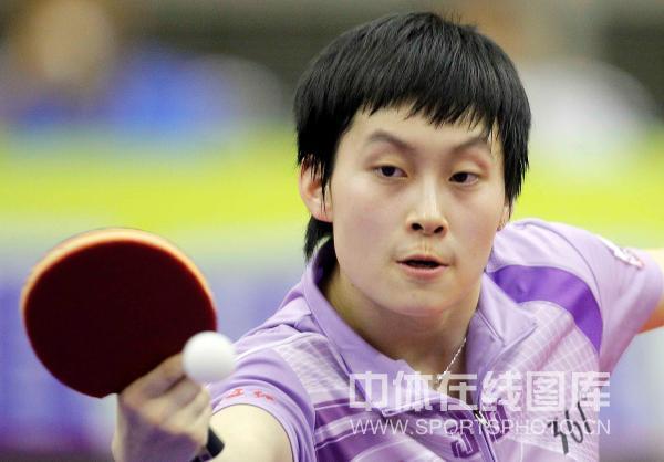 图文:[乒超]北京女团VS内蒙古 内蒙古队冯亚兰