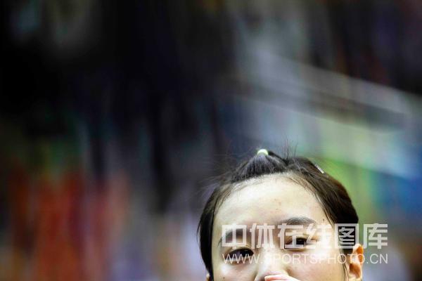 图文:[乒超]北京女团VS内蒙古 曹丽思在沉思