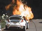 赛车比赛过程中恐怖大火