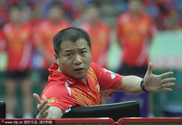 图文:[乒超]八一男团2-3上海 王涛有点着急