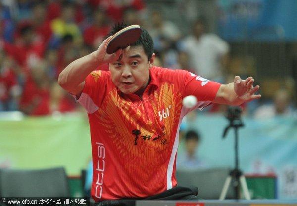 图文:[乒超]八一男团2-3上海 王皓大鹏展翅