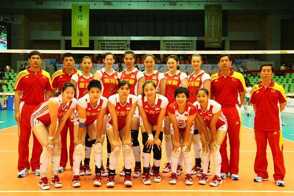 图文:中国女排3-0横扫荷兰 中国女排全家福