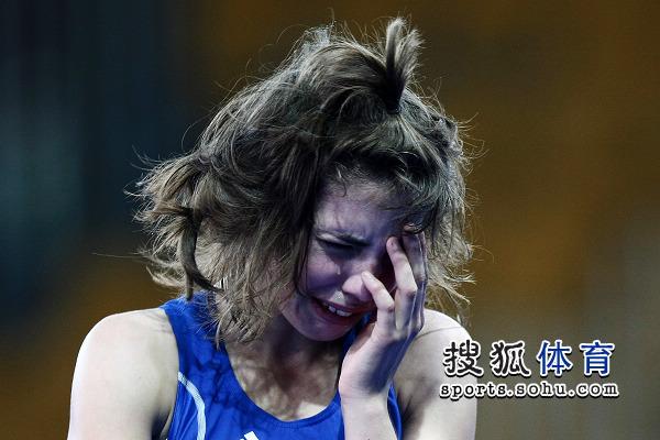 女选手泪流满面