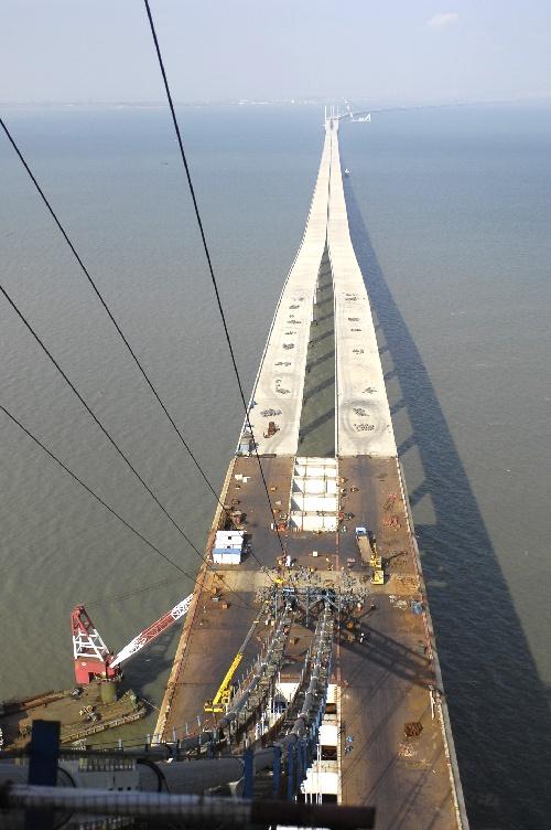 经济 青岛海湾大桥工程加紧建设