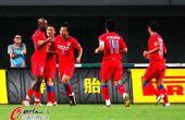 图文:[中超]长沙VS重庆 重庆庆祝进球
