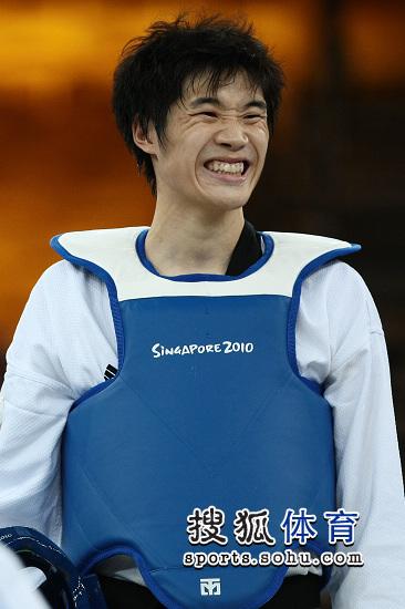 刘畅满脸堆笑