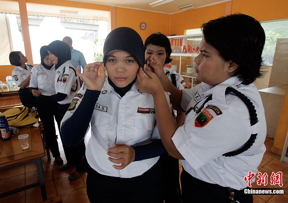 印尼为保护女性推出妇女专用列车车厢组图 搜