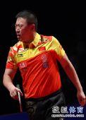 图文:中国乒乓球赛男单决赛 马琳郁闷不已