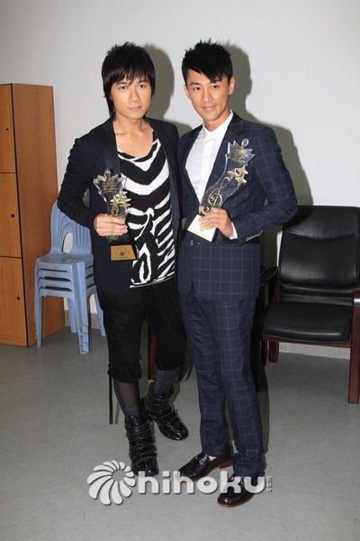 林峰与古巨基在颁奖礼中收获丰富