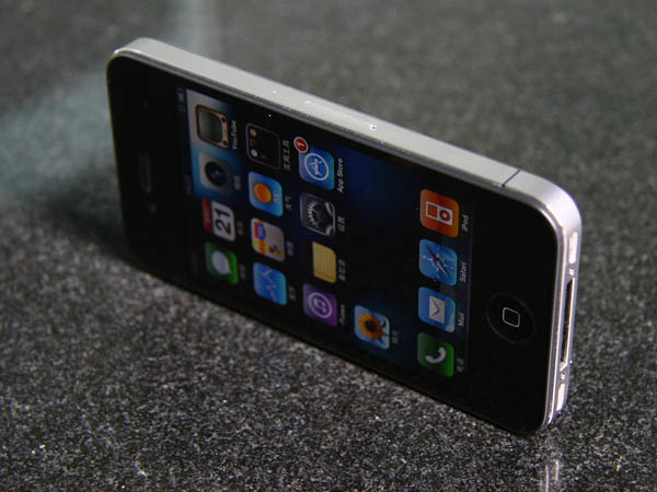 图为苹果iPhone 4