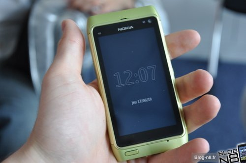 诺基亚1200万像素 N8五色真机赏析
