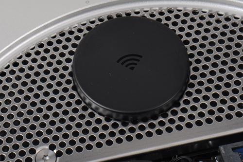 无线天线有塑料外壳保护,可以最大限度的提升信号质量