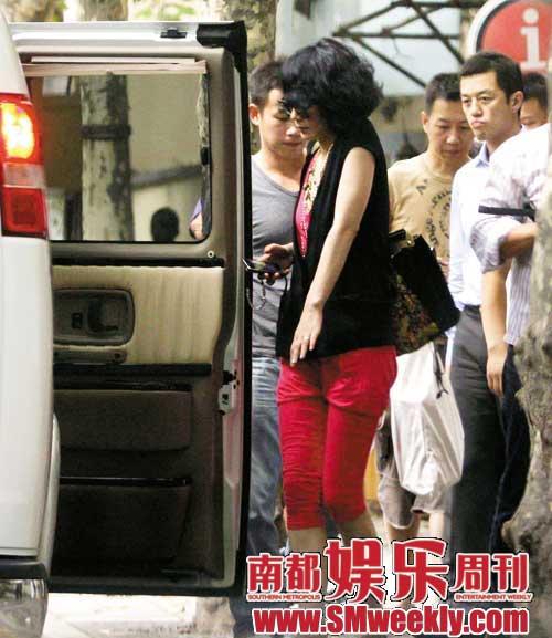 王菲的超级豪华生日派对,除了吸引了刘嘉玲、小S等大牌明星外,更吸引了一大票的传媒朋友,真是免费的宣传。