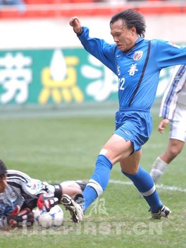 1998年加盟申花问鼎首冠