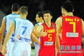图文::世锦赛中国首战不敌希腊 刘炜与对手致意