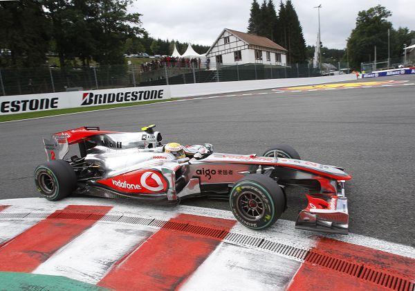 2010F1比利时站正赛 小汉出发后领先