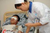 图文:[中甲]沈阳悍将完成手术 冯绍顺平躺