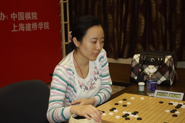 美女棋手陈盈出战 搜狐