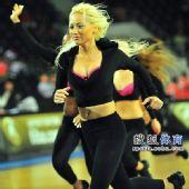 图文:[男篮世锦赛]中国负俄罗斯 完美面庞