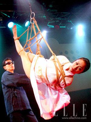 日本女星挑战重口味 出演捆绑裸戏组图