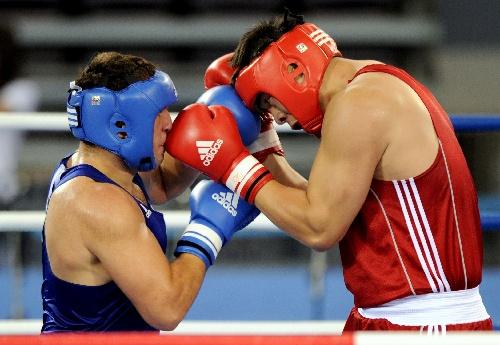 图文:张志磊获91公斤以上级金牌拳对拳眼对眼a图文v图文图片
