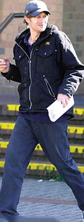 31岁的特里因乞讨收入相当高被捕