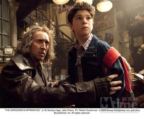 魔法师的学徒电影_但2010版的《魔法师的学徒》却是一部崭新的动作冒险电影.