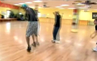 奥胖真人秀挑战新星 舞姿引爆全场 视频图片