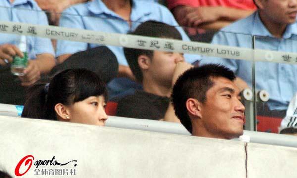 郑智与爱妻