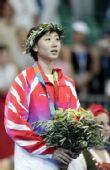 图文:周蜜运动生涯回顾 雅典奥运会-女单摘铜