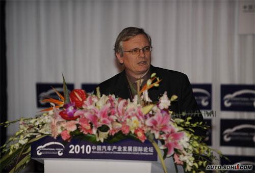 国际能源署高级能源专家Lew Fulton