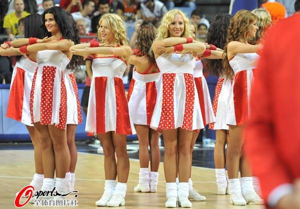 图文:世锦赛啦啦队表演 舞蹈准备图片
