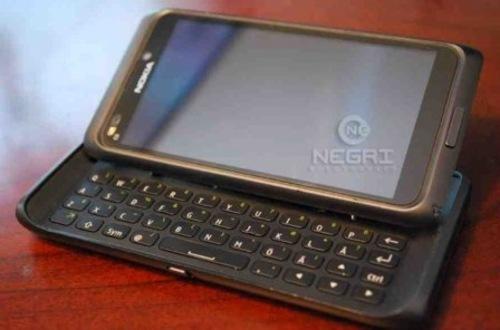 4寸屏Symbian^3 诺基亚E7首张照片曝光