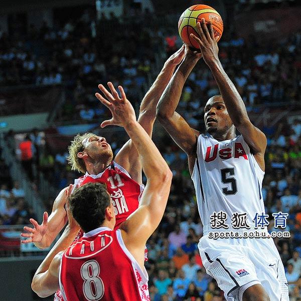 图文:[男篮世锦赛]美国胜俄罗斯 杜兰特跳投